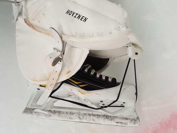 Monster Hockeyn tuotteet Suomen markkinoille