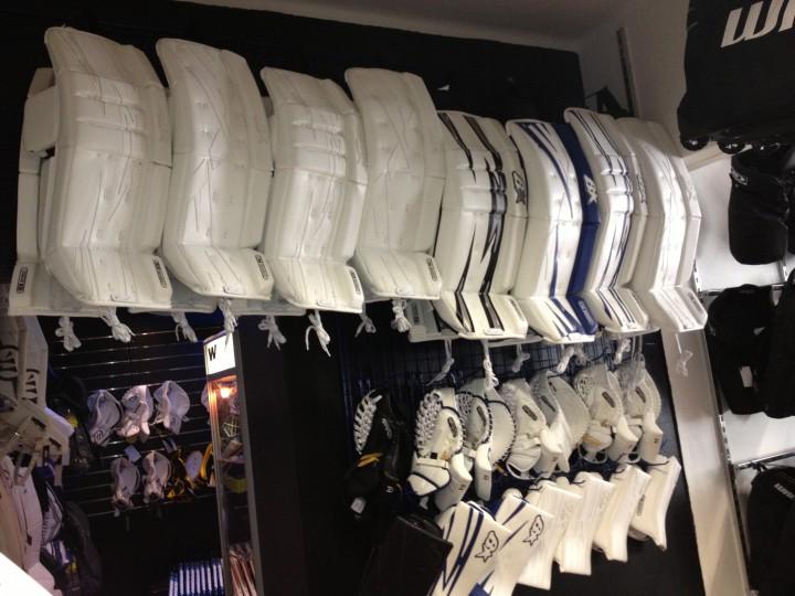 Brian's M ja S sarjan varusteet nyt Hockey Cornerissa